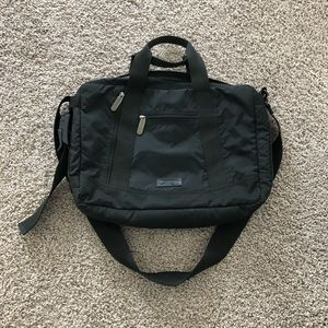 LeSportsac black laptop messenger bag padded